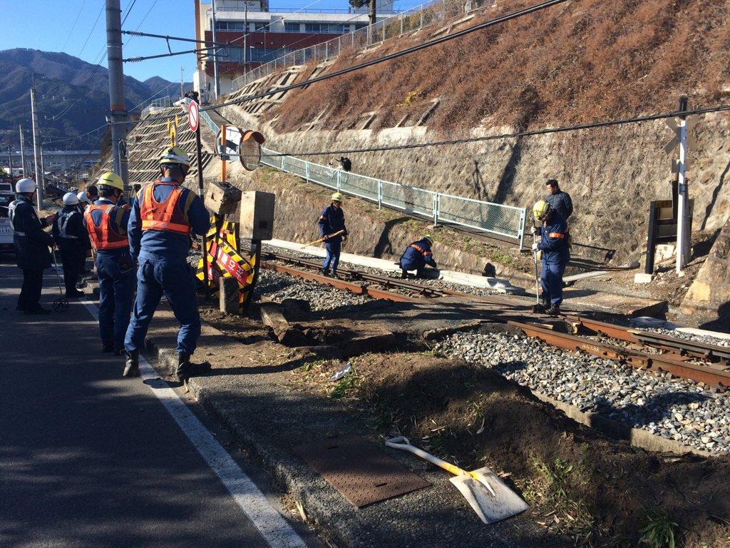 みんなで飯田線車横転現場に来てみた。撤去はされてる https://t.co/L0zCxmNT8F