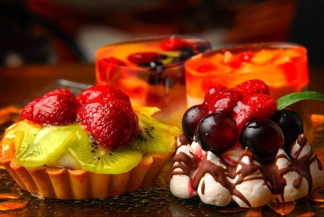 Картинки со вкусностями тортами и фруктами