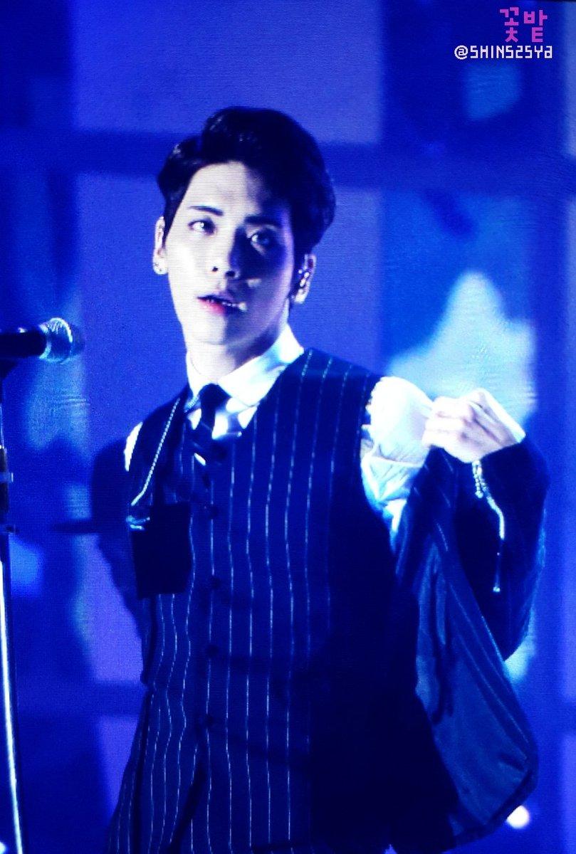 151227 Jonghyun @ SBS Gayo Daejun CXPsELiVAAEoJmi