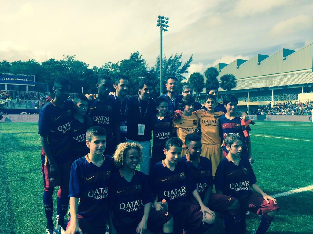 Raúl, con los niños del FC Barcelona en Miami ya ejerce de Country Manager @LaLiga en Miami. https://t.co/xRULhDk9hC