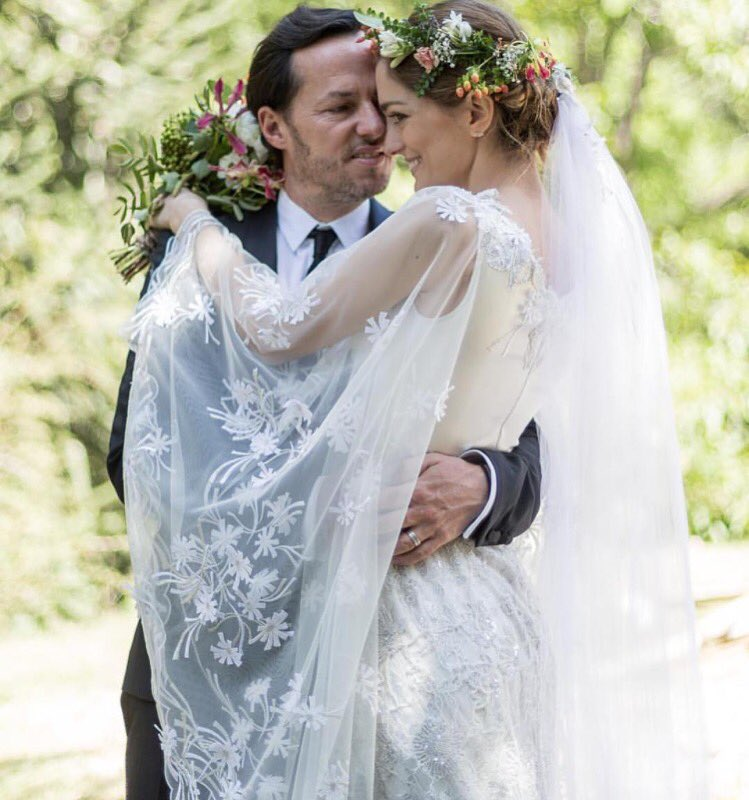 Regram Sofia Wearing A Custom Rodarte Embroidered Wedding Gown In Patagonia Pic Twitter Jshvkpt350