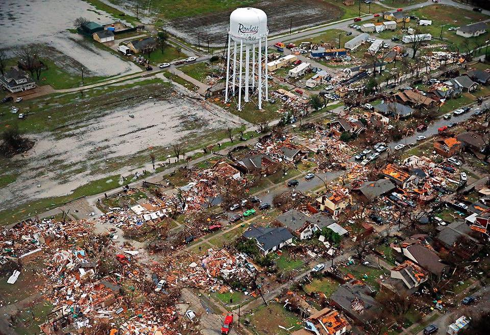 Unbelievable damage in Rowlett. Text REDCROSS to 90999 to send $10 to American Red Cross Disaster Relief https://t.co/AEOoeS7Fmj
