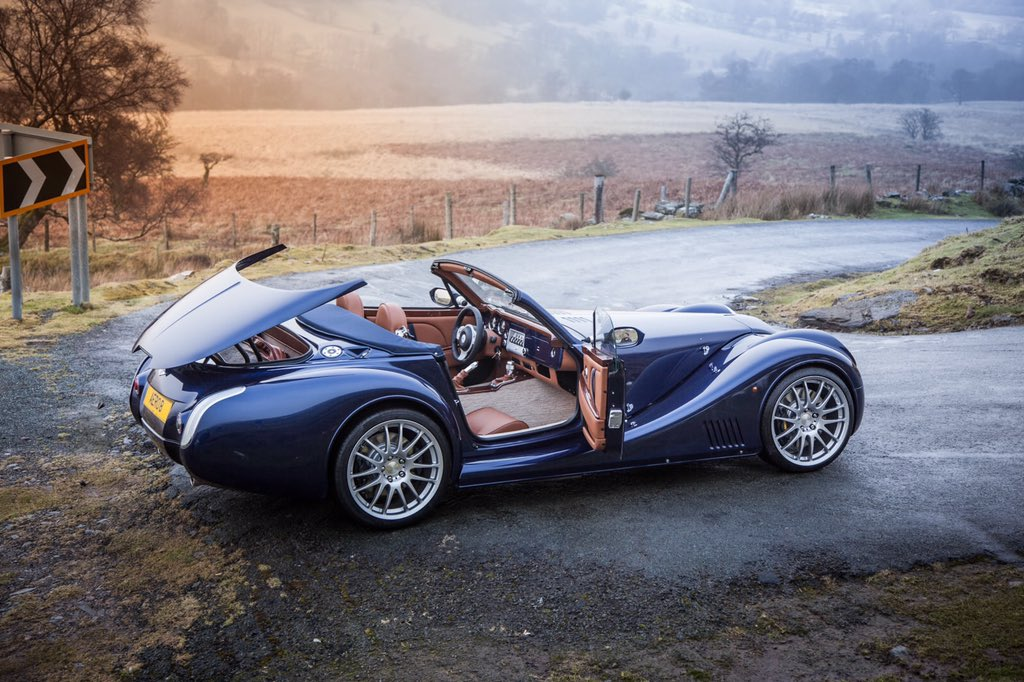morgan motor company on twitter effortlessly stylish the new morgan aero 8 discover the aero. Black Bedroom Furniture Sets. Home Design Ideas