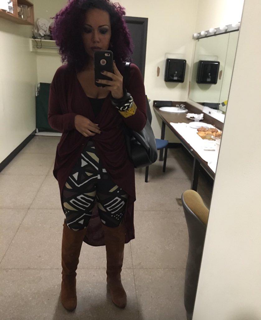 Kwanzaa approved leggings by @Nakimuliinc!