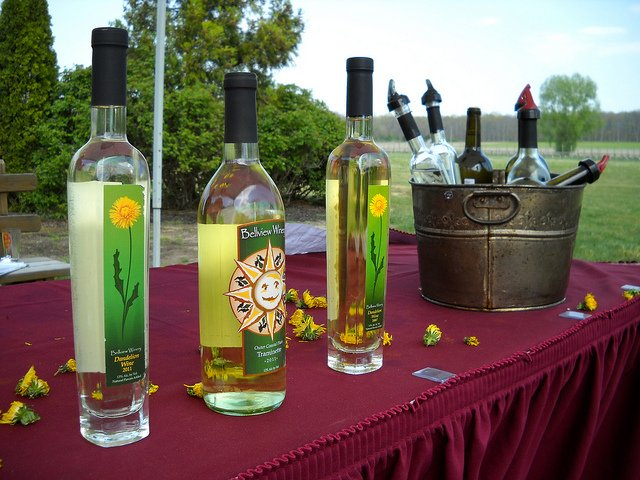 A Close Look at 2 Atlantic Cty Wineries https://t.co/sdum3AJEcm @RenaultWinery @BellviewWinery @JerseyFreshNJDA https://t.co/Y1mzhlHZjP