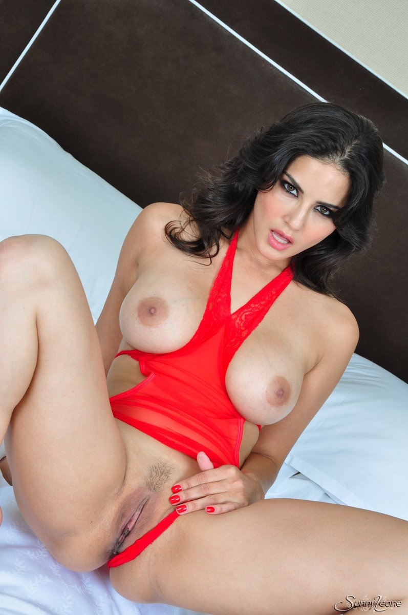 Sunny Leone Fucked While Wearing Black Leather Boots Tnaflix Porn Pics