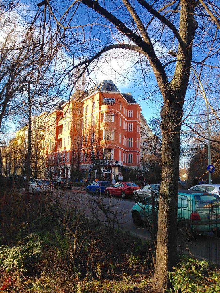 #BerlinKreuzberg #Kreuzberg #Yorckstrasse  #Grossbeerenstrasse #Hornstrasse #Yorckschlösschen #UrbanesLeben https://t.co/8KqWnDdCDR