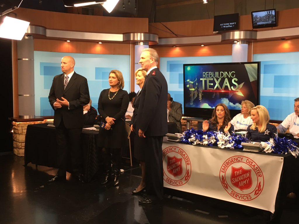 Phone lines open now 4ur donation 2 #TXtornado relief 1-877-TEXAS-11 @cbsdfw @dallascowboys @AlbertsonsMkt https://t.co/GGLY1D1ddp