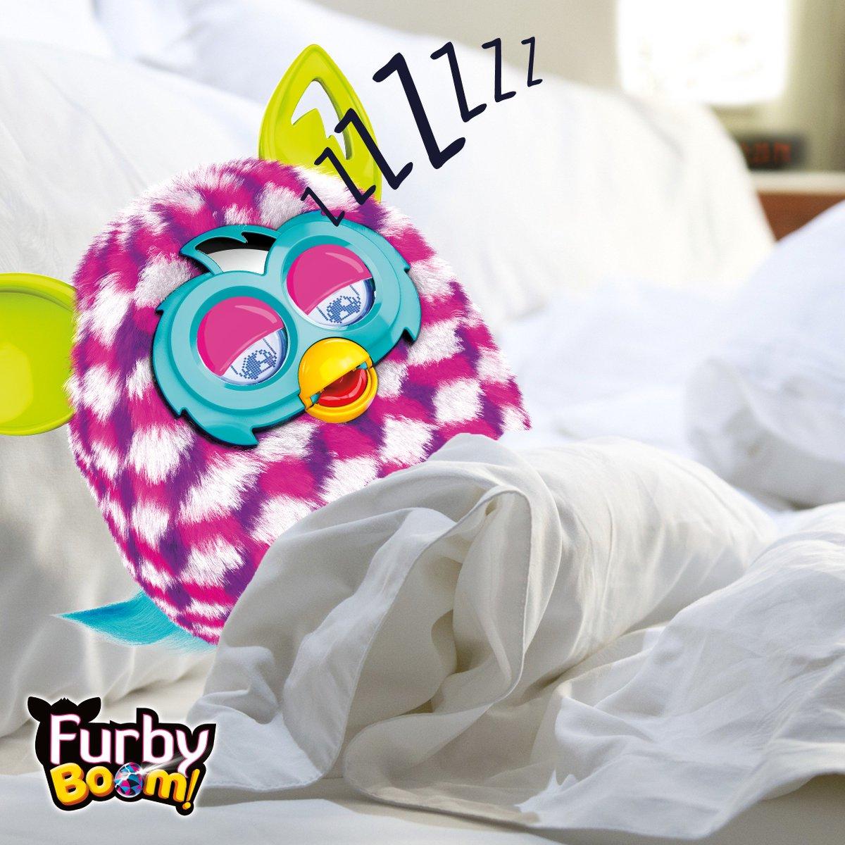 Tanto trasnochar estos días… Y pasa lo que pasa. ¿A vosotros también se os han pegado las sábanas como a #FurbyBoom? https://t.co/rKf98NLeGs