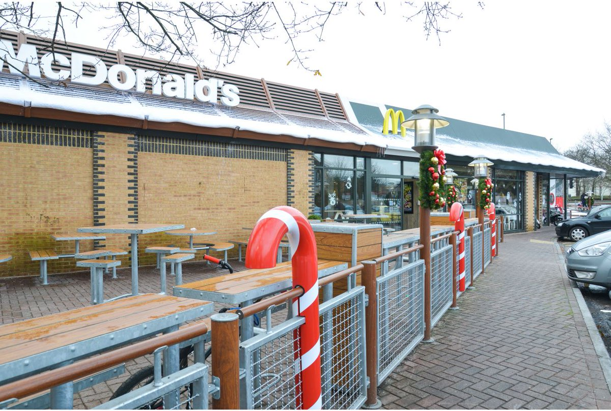 Mcdonald S Uk News On Twitter Our Hedge End Southampton Restaurant Defied The Weather And Created A Snowy Winter Wonderland Over Christmas