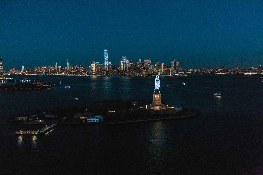 """@500px: New York City by @HumzaDeas: https://t.co/LSn3XrB40n #TravelTuesday https://t.co/EZMrVQL57O"""
