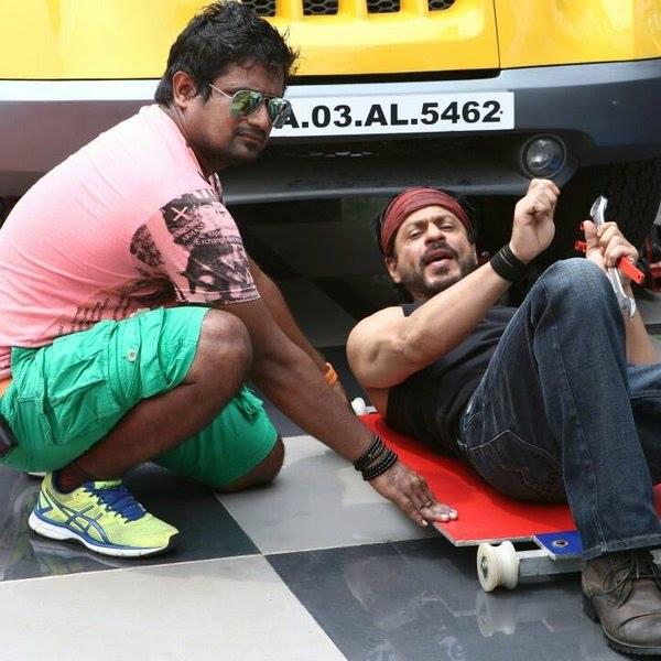 Новый фильм Рохита Шетти и Шах Рукха Кхана - Dilwale )) - Страница 4 CXaKNeZVAAEzZNv