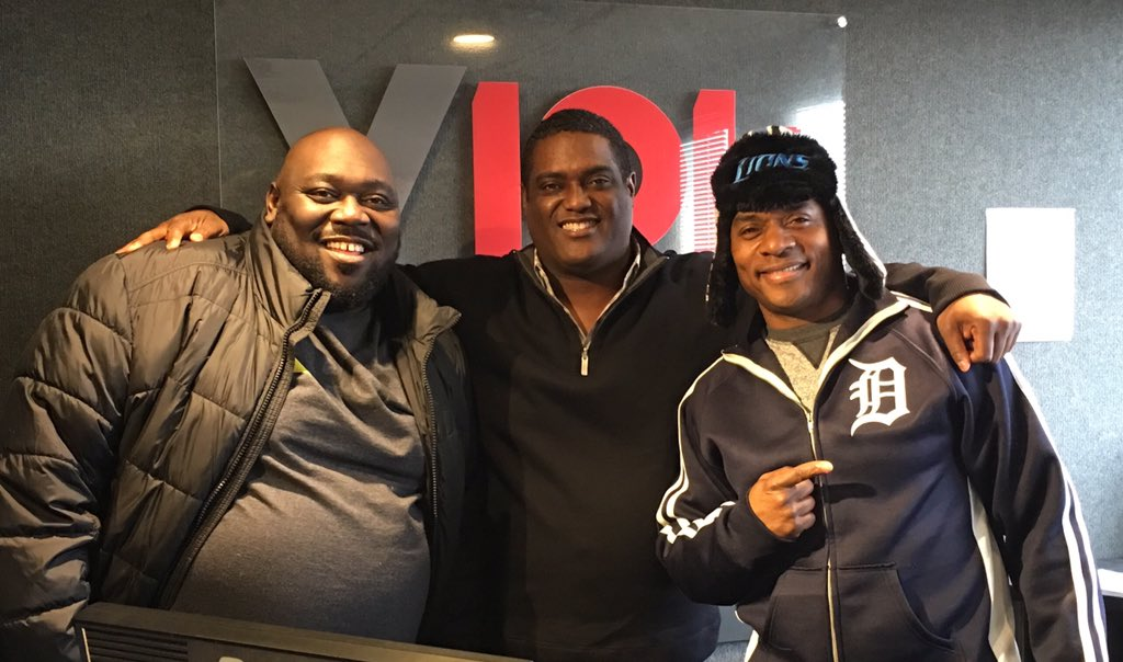 Thanks @FAIZONLOVE and @TonyTRoberts for hanging out this morning @v101fm! See them #NYE at #TommyTs #RanchoCordova https://t.co/hW5FoGCUDI