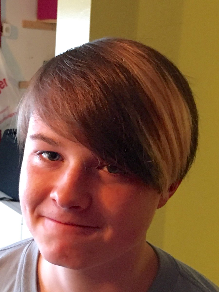 "Hannah Hart on Twitter: ""Time for a haircut? What's my ...