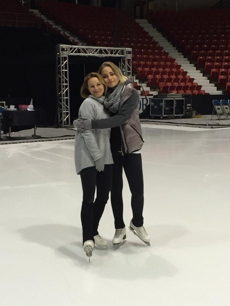 Daria Grinkova Skating Stars on Ice on Twitte...