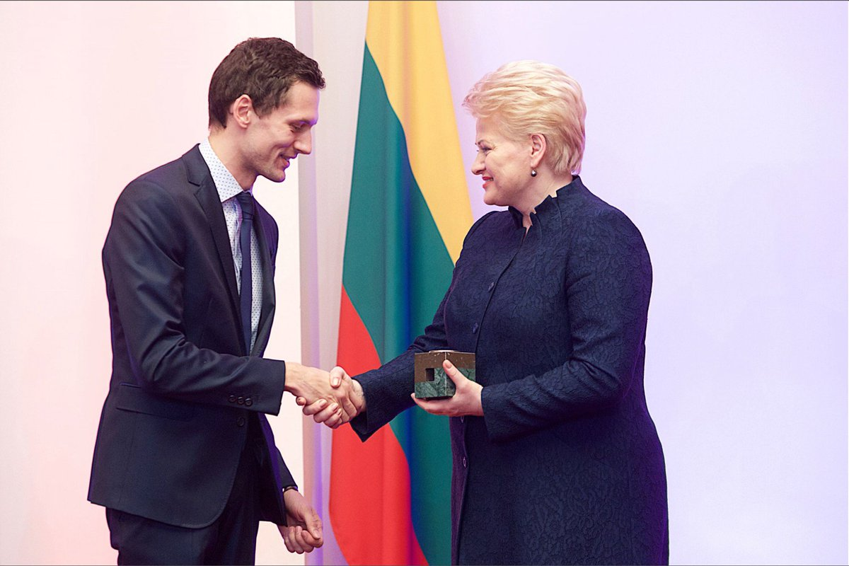 @TrafiApp co-founder @TheMartynas receives @GlobalLithuania Award from the President of Lithuania @Grybauskaite_LT https://t.co/2d6rAsHwOr