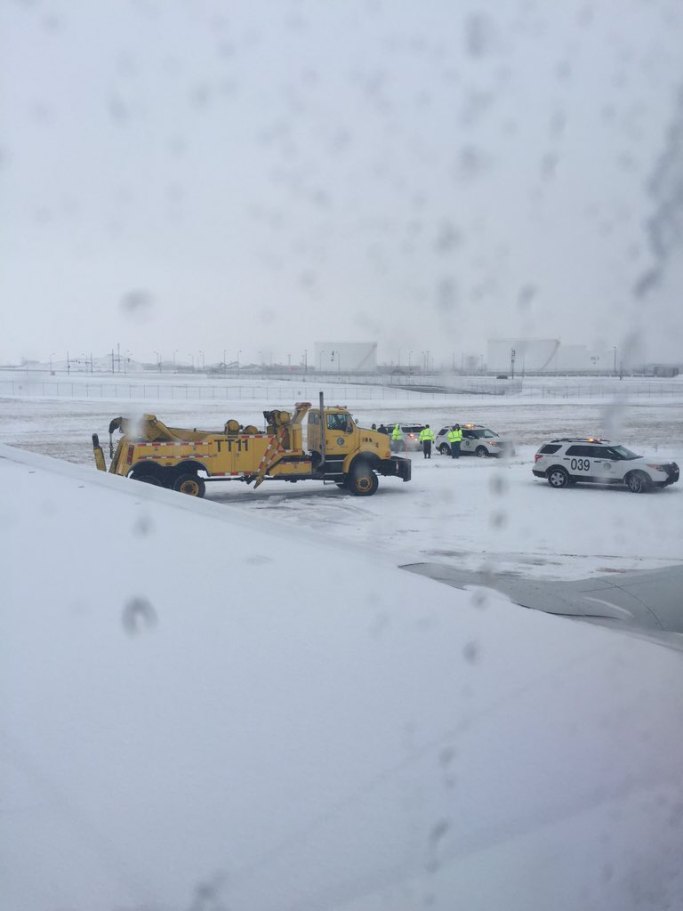 United Flight Skids Off O'Hare Runway