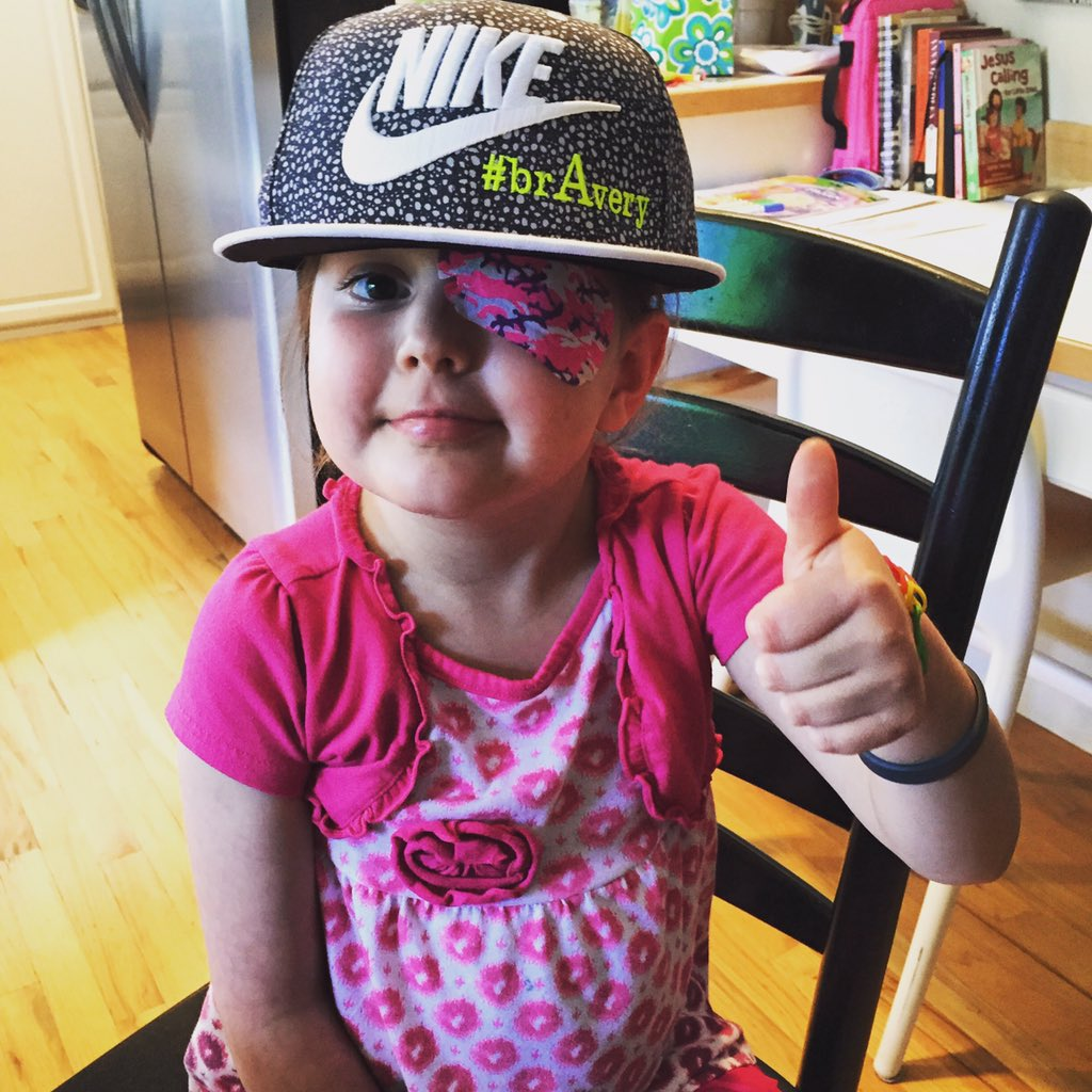 6 months ago today, my life changed forever. My daughter's fight & courage shines. Keep fighting, kid. #AveryStrong https://t.co/PMfoUinQnz