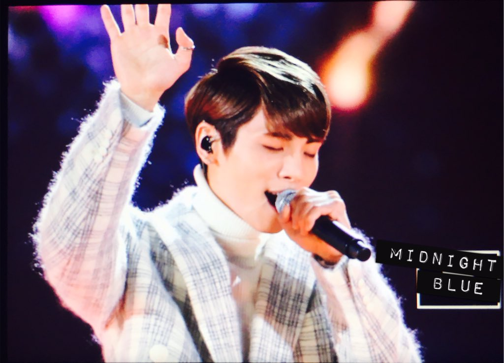 151230 Jonghyun @ KBS Gayo Daechukje  CXeRl-JUAAARhOO