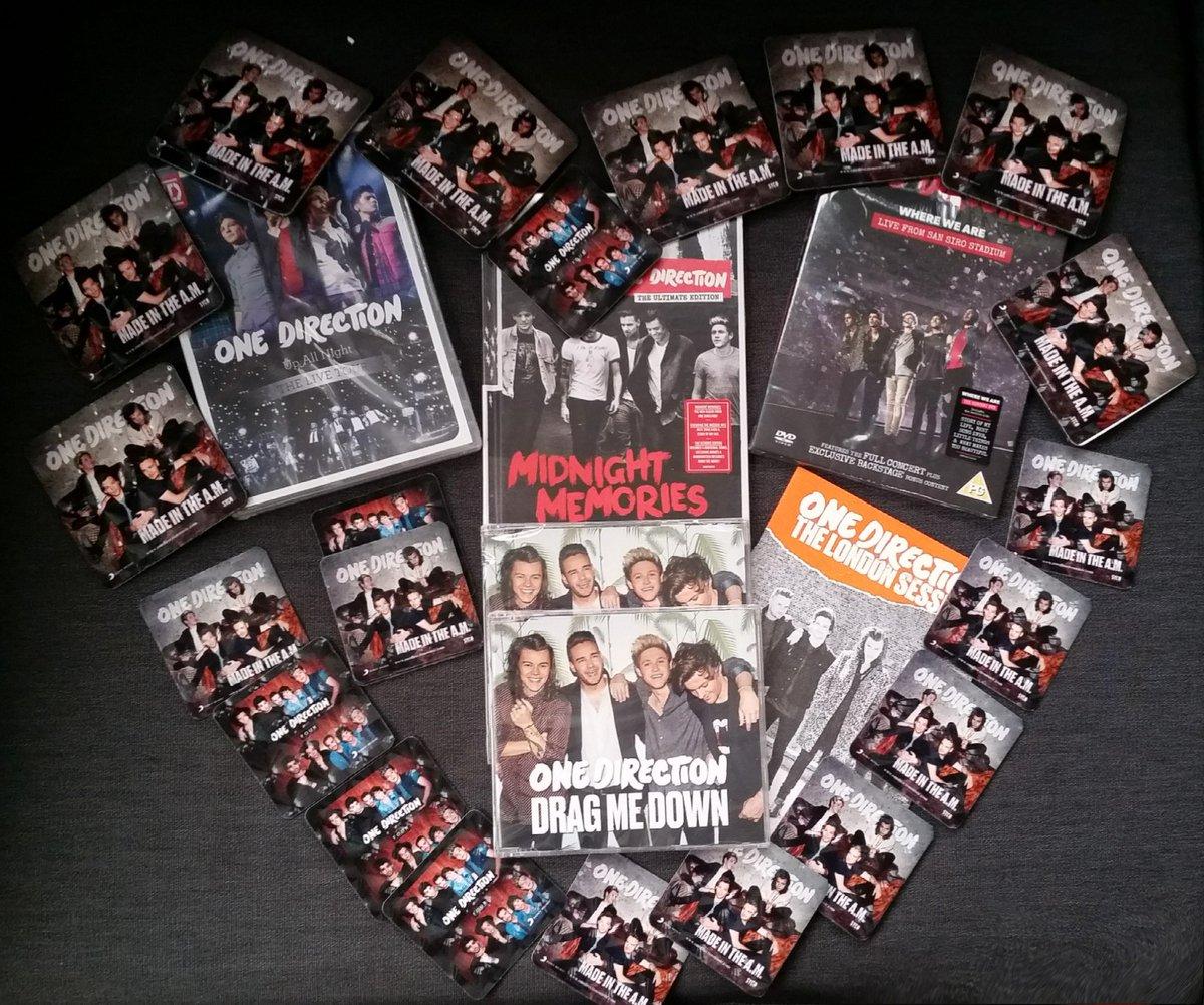 YARIŞMA! Bizi takip edip bunu RT eden 1 şanslı kişi One Direction albümlerinden oluşan özel paketin sahibi olacak! https://t.co/cHo8s5VNX3