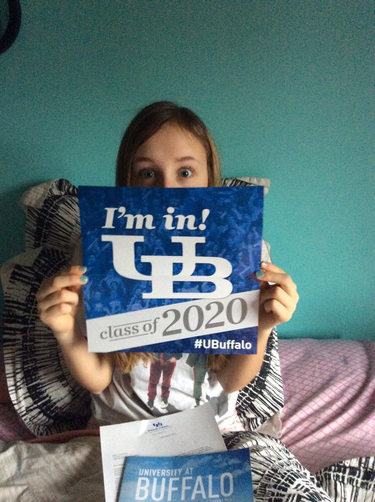 My mom and dad woke me up and were super excited because!!! #UBuffalo https://t.co/RZsPUDQ6IH