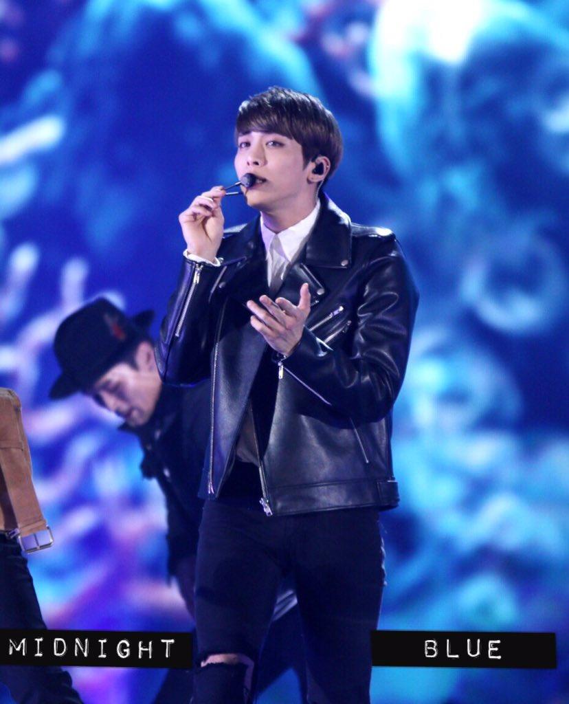 151230 Jonghyun @ KBS Gayo Daechukje  CXfOGO9UkAAX2fh