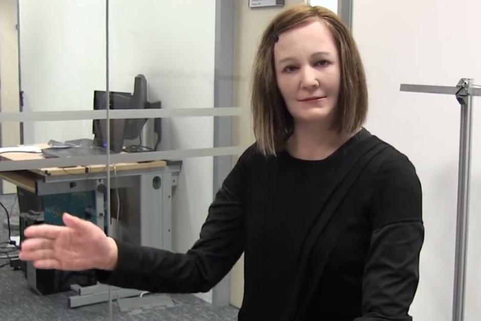 Increíble, un robot identico a ser humano