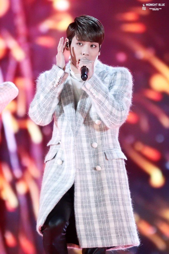 151230 Jonghyun @ KBS Gayo Daechukje  CXguArjU0AAv1R9