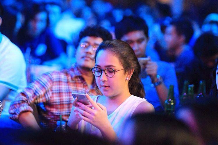 Tipe Ibu Dilihat Dari Update Status BBM Dan Facebook - AnekaNews.net