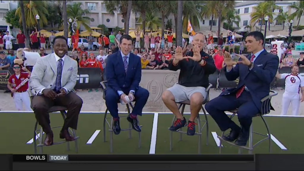 Of course, Richt closes his Gameday appearance with... https://t.co/5Y6QjVAQT6