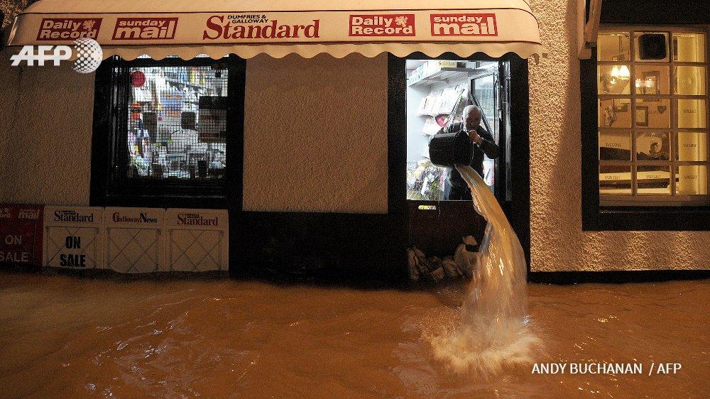 Inundaciones y falta previsión, en inglés
