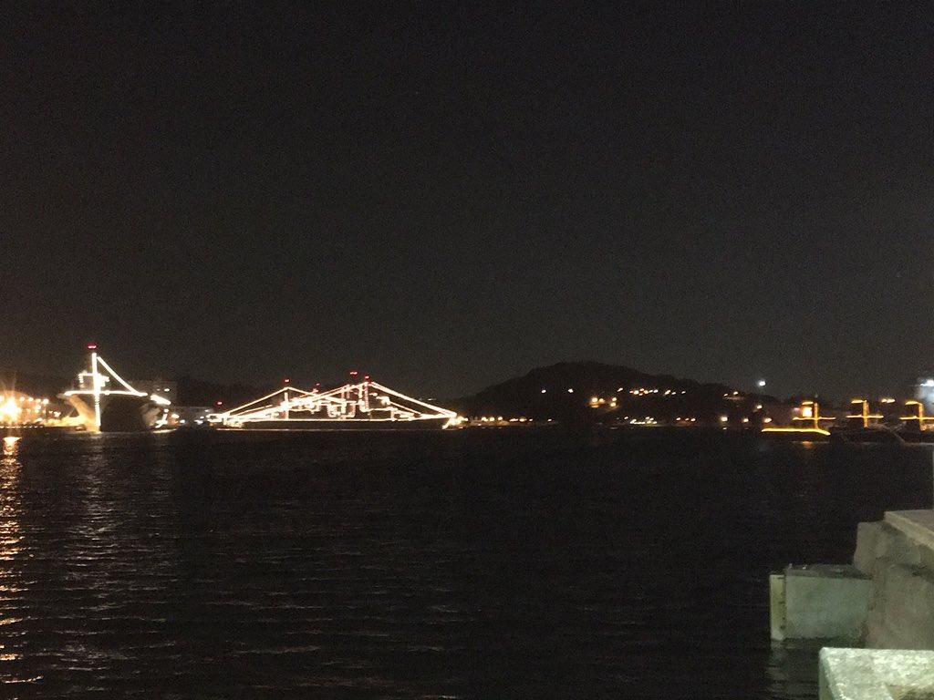 横須賀の海自艦艇電灯艦飾開始! https://t.co/uwByStJNrW