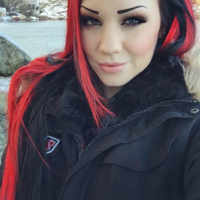 Starfucked  - ❄️⛄️❄️ Forgo twitter @StarfuckedModel starfucked,model,girl,piercing,alternative