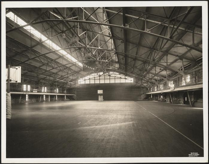"Fordham's Rose Hill Gym at its opening in 1925. ""The Prairie"" is the oldest active D-I gym in the country. #TBT https://t.co/iAogdUOedc"