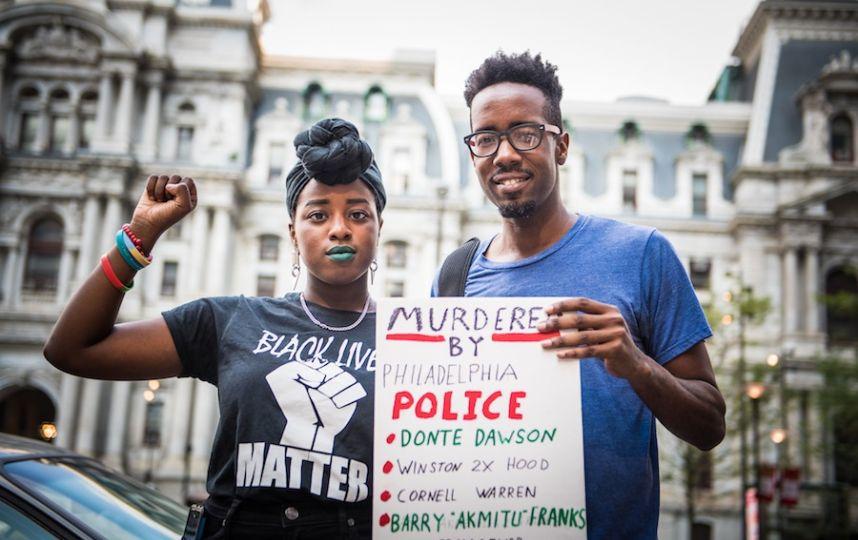 Black Lives Matter protests at Mummers Parade  https://t.co/JSPZg8nkhJ  #MummersParade #BlackLivesMatter https://t.co/lhcO38BgxY