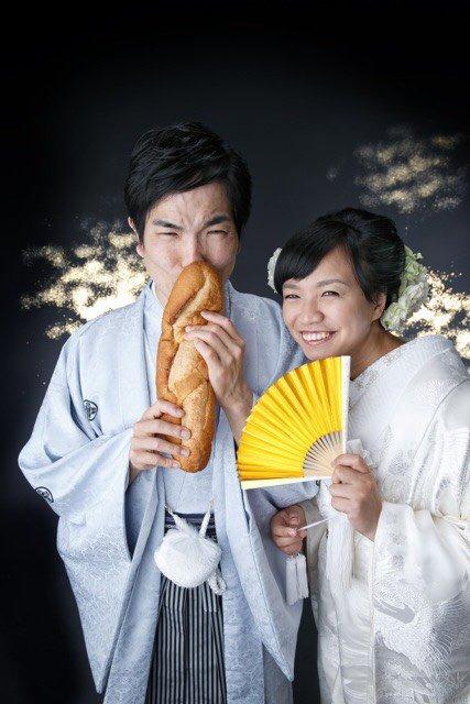 あけましておめでとうございます。今年もよろしくお願い致します。中山女子短期大学からおめでたいご報告です。この度、構成作家の吉岡由依子さんと入籍いたしました。 結婚の決め手はすごく気が合うことです。 なぜなら嫁も同い年の同・級・生! https://t.co/VHY7hJiB3U