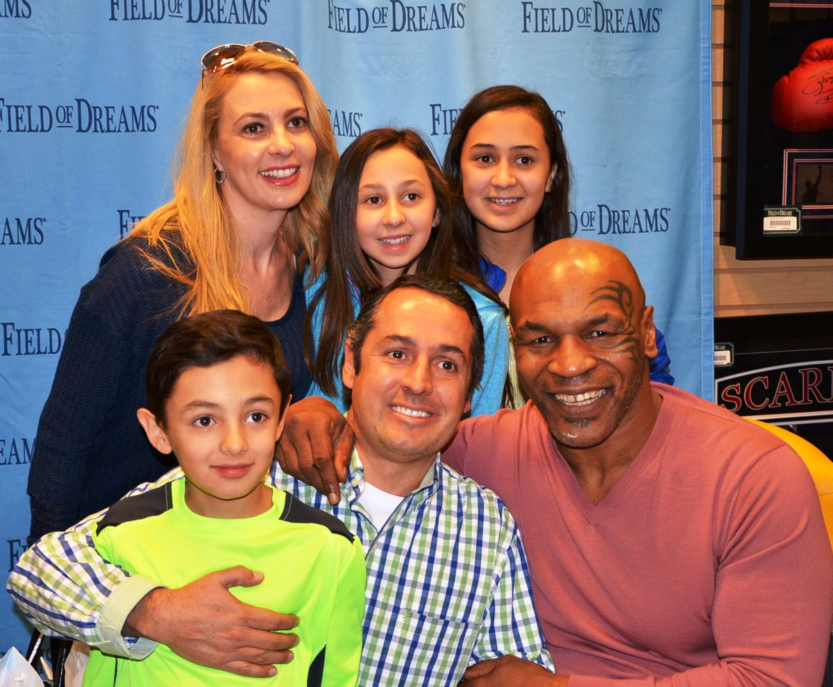 Mike Tyson On Twitter Come Meet Me Today Get My Autograph At