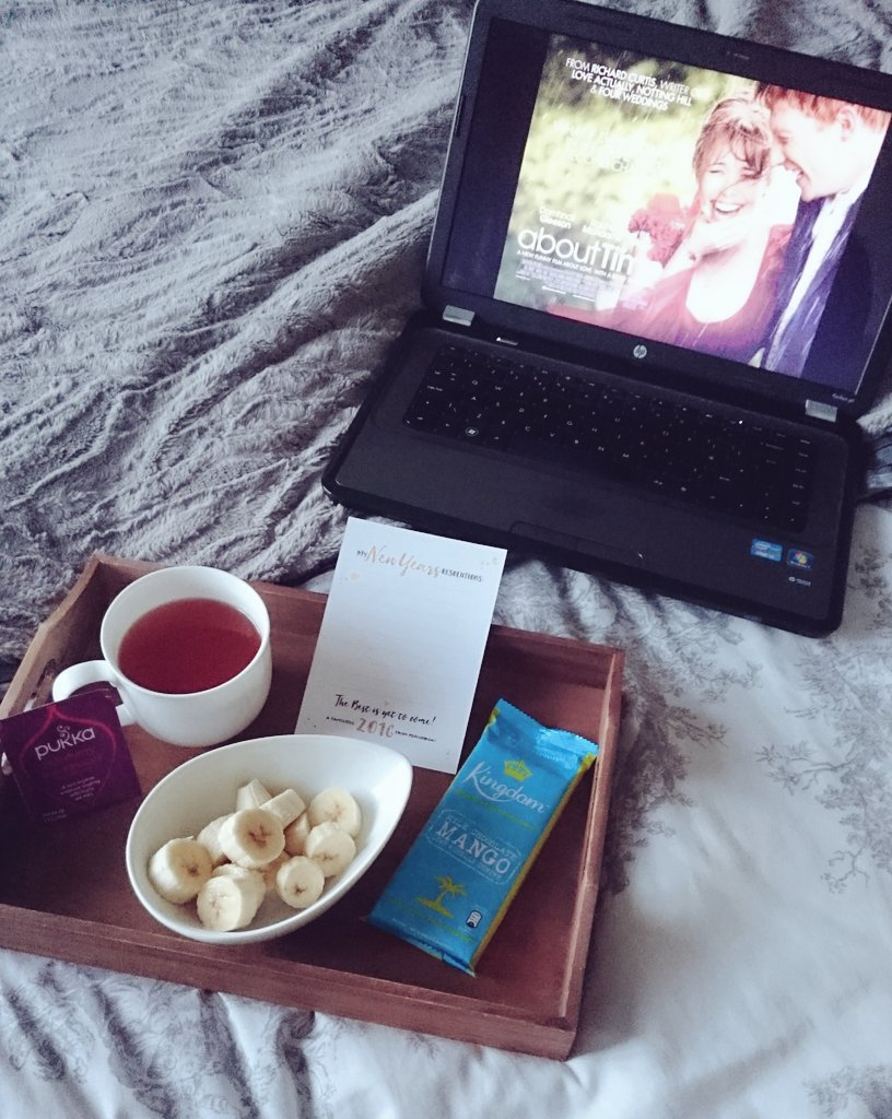 Nights in with chocolate and @Pukkaherbs  tea from my @periodbox 🙌🍫☕ #NightIn #fbloggers https://t.co/le6ygIDvud