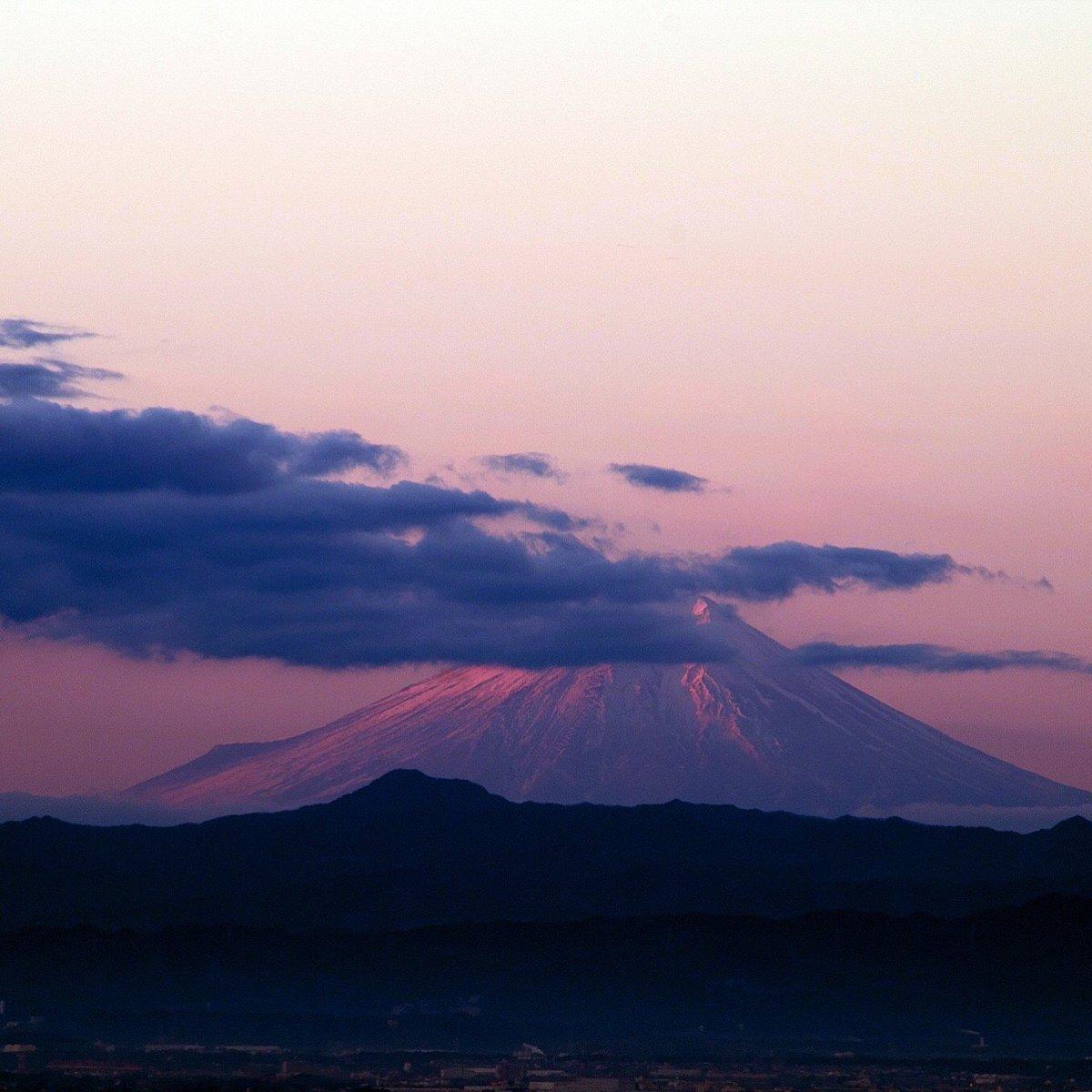 栃木からでも赤く見えます、富士山 #sorayo https://t.co/aQmn4SiKpW