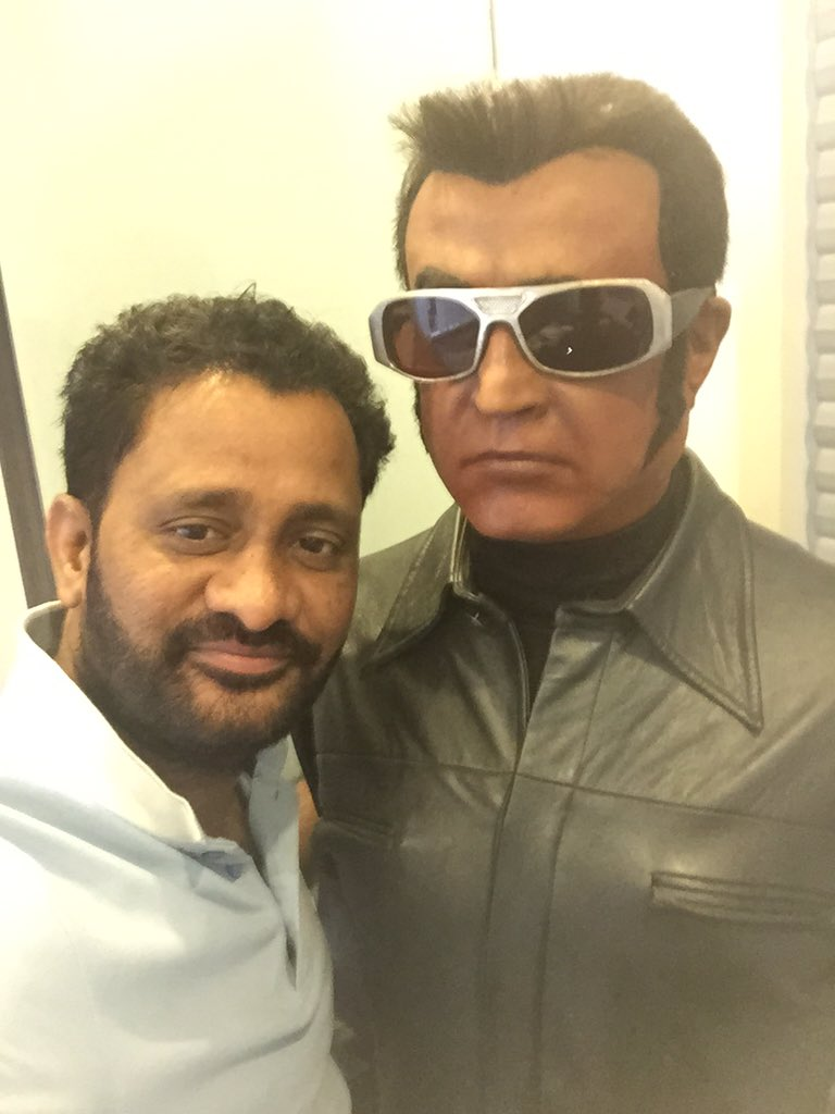#Chitty here I'm with you for the 2.0 version! Excited by your sheer vision and power @shankarshanmugh #Endhiran2.0 https://t.co/xP1r0jGHXl