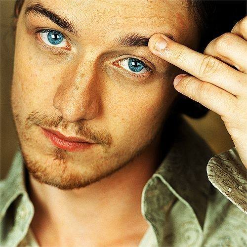 His eyes in this picture are stunning. #jamesmcavoy https://t.co/clti2CXiEL
