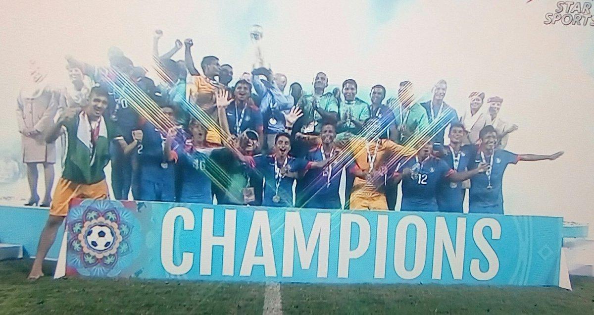 Champions!!! 2015 @SAFFSuzukiCup  #IndianFootball #INDvAFG #SAFFSuzukiCup https://t.co/870OSVgkrc
