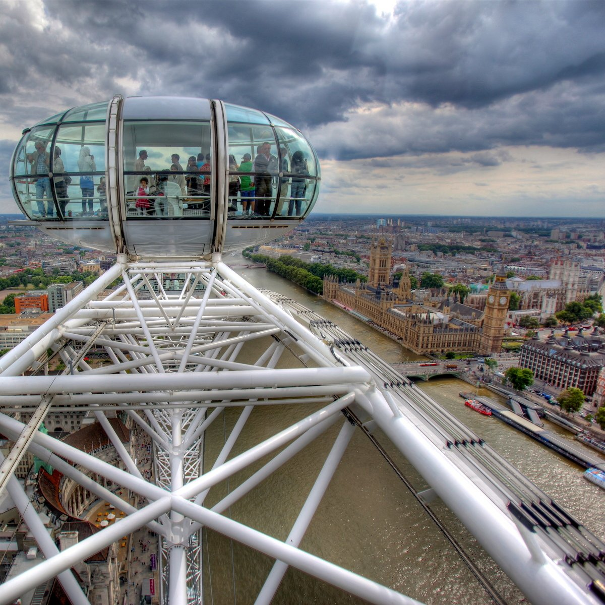 15 Things You Probably Didn't Know About the London Eye https://t.co/WZyCc6DsTy #travel #ttot https://t.co/nMCOKYib1v via @mappingmegan
