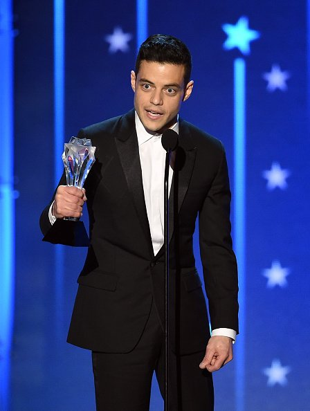 .@ItsRamiMalek onstage accepting Best Actor in a Drama Series award for 'Mr. Robot' during Critics' Choice Awards https://t.co/sS85zL94yG