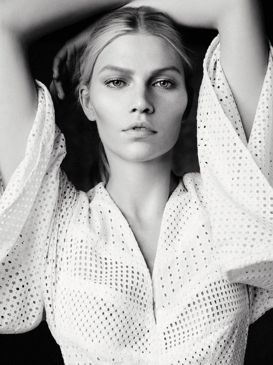 Twitter Aline Weber nudes (51 photo), Tits, Hot, Feet, legs 2006