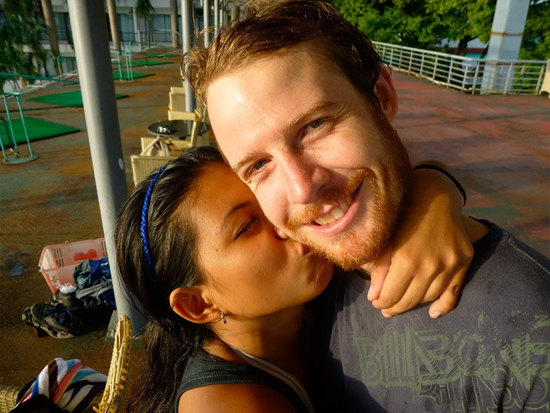 Bali hooker with foreigner - 3 2