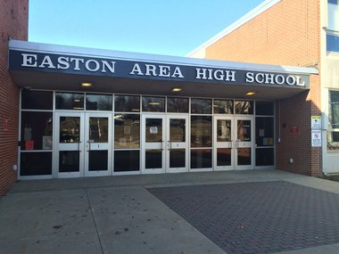 Social media comments prompt 12 fights in 10 days at Easton Area schools https://t.co/4C7XDt8MVj https://t.co/jbW6OJg3ts