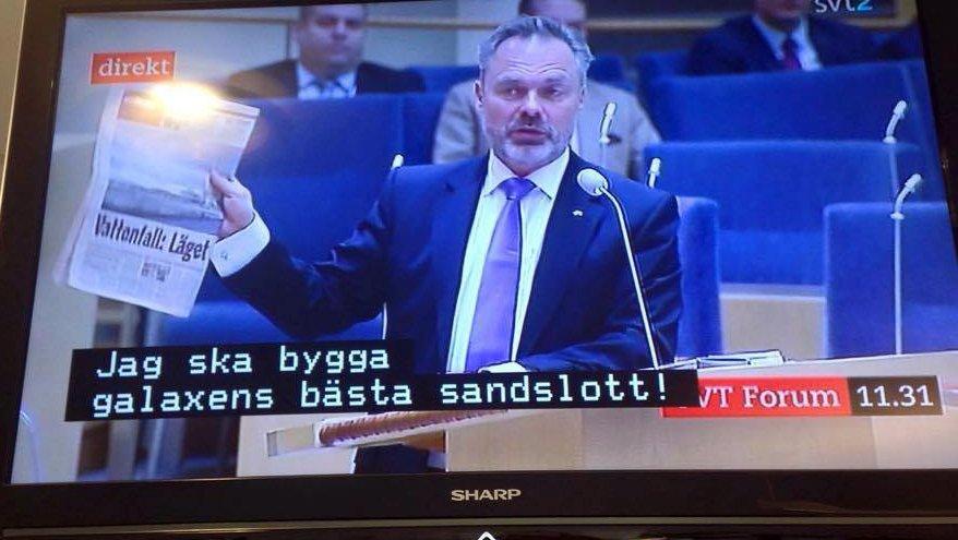 Helt igennem magisk fejl: Svensk tv viser politisk debat - med tekster fra børnetv https://t.co/EVkmjcWziQ https://t.co/qtxOwFPxiG
