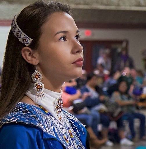 14-yr-old girl testifies against #NativeAmerican mascots. Crowd shouts 'Get off stage squaw' https://t.co/4axkL0CzHh https://t.co/WVMTS3gK5T