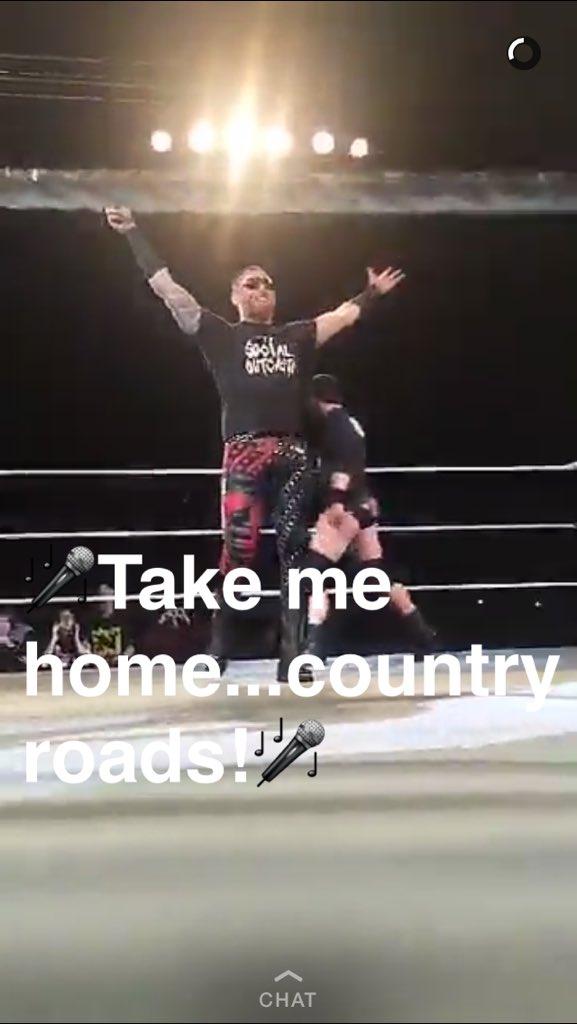 Hometown hero in Charleston tonight @HeathSlaterOMRB #SocialOutcasts #WWECharleston https://t.co/BzVHSEOAOw
